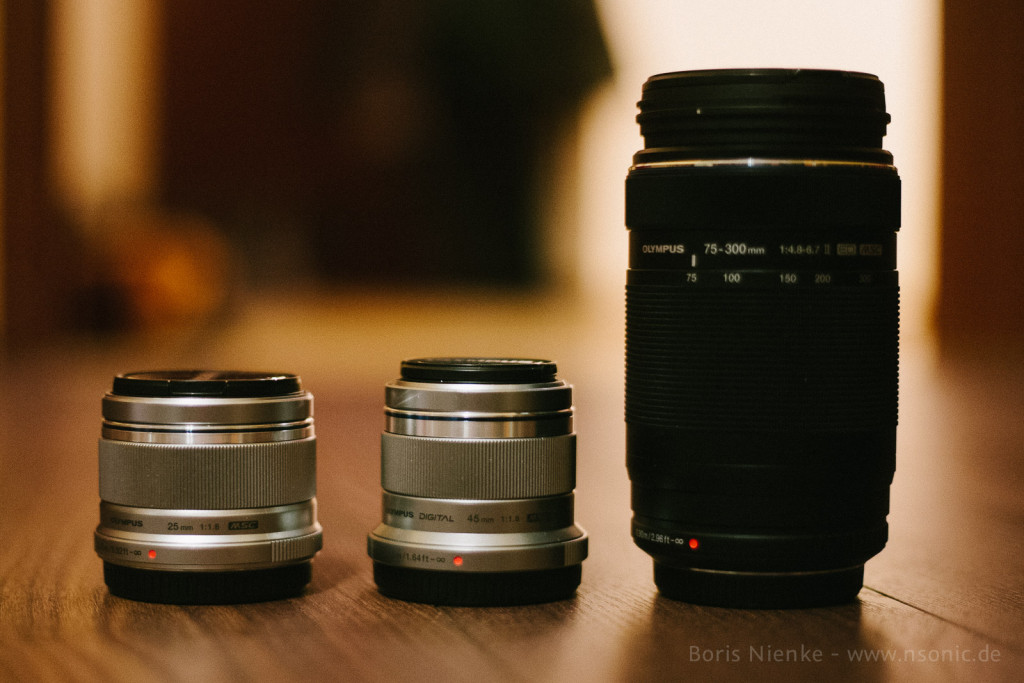 25mm/1.8 - 45mm/1.8 - 75-300/4.8-6.7