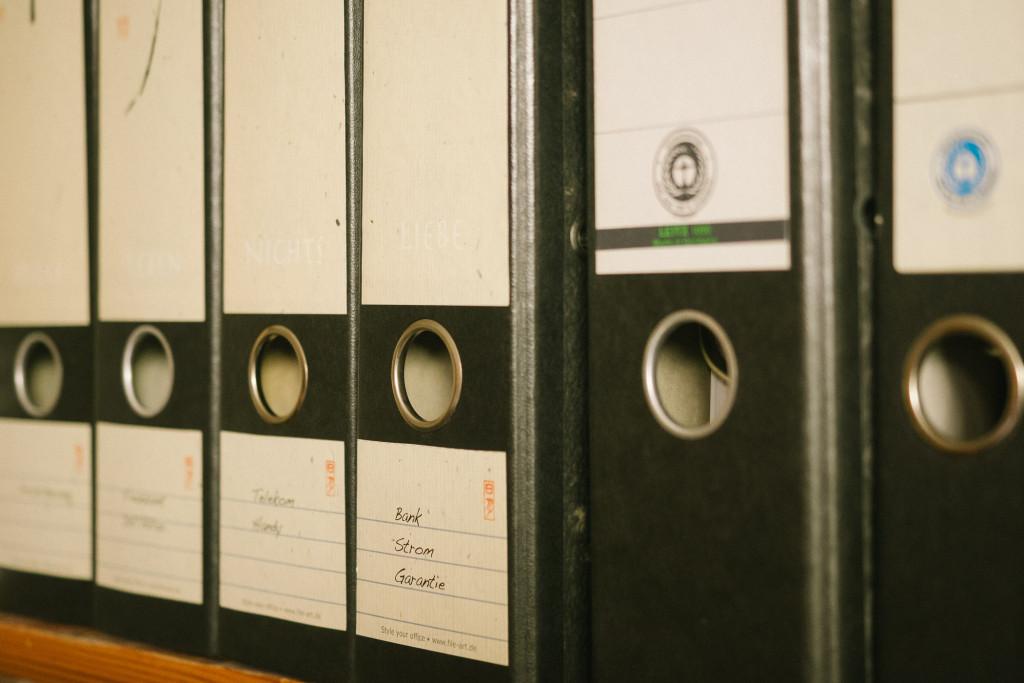 Kunden finden, Werbung, Rechnungen, Steuer – eine Menge Papierkram möchte im Zaum gehalten werden