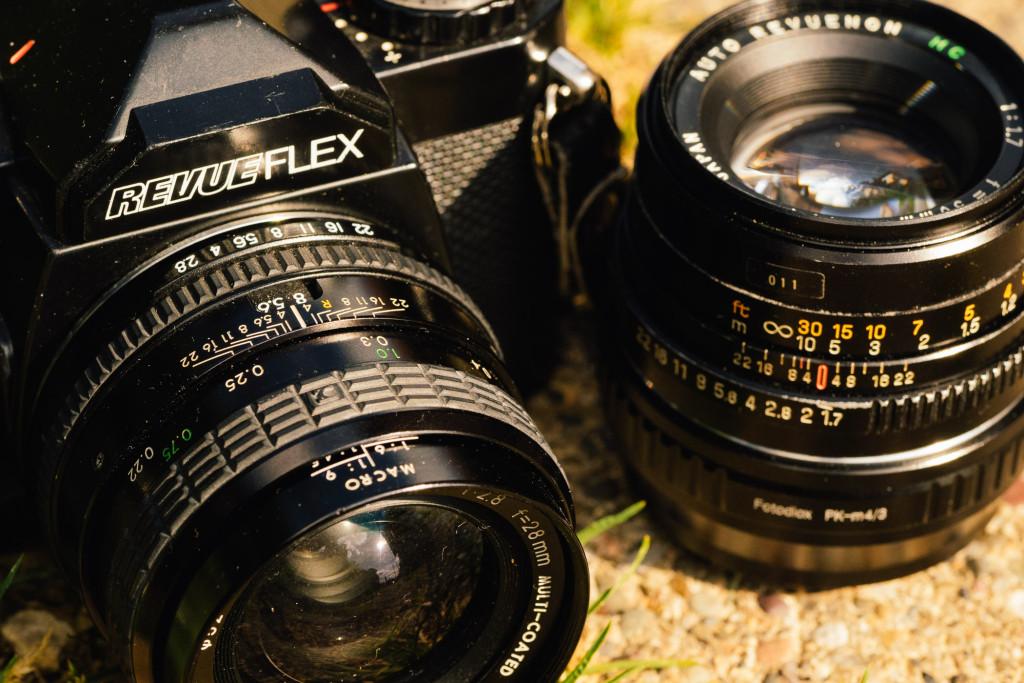 RevueFlex mit 28∕2.8 und 50∕1.7 am m43-Adapter. Das alte Tele suche ich noch
