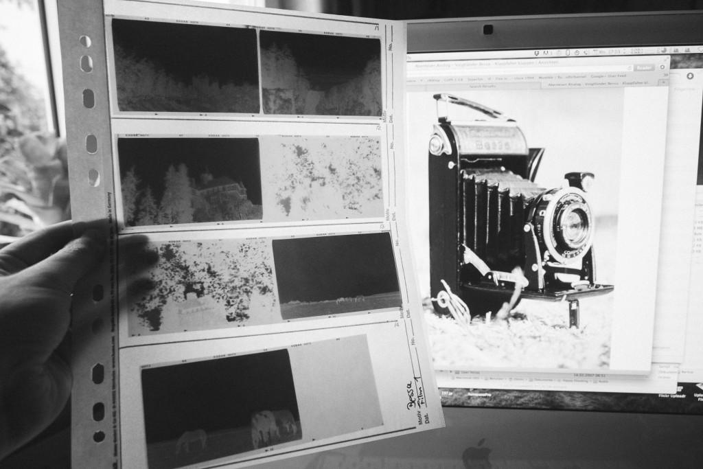 Beim 6×9 Format passen immer zwei Negative in eine Reihe. So passen alle 8 Aufnahmen auf eine Seite