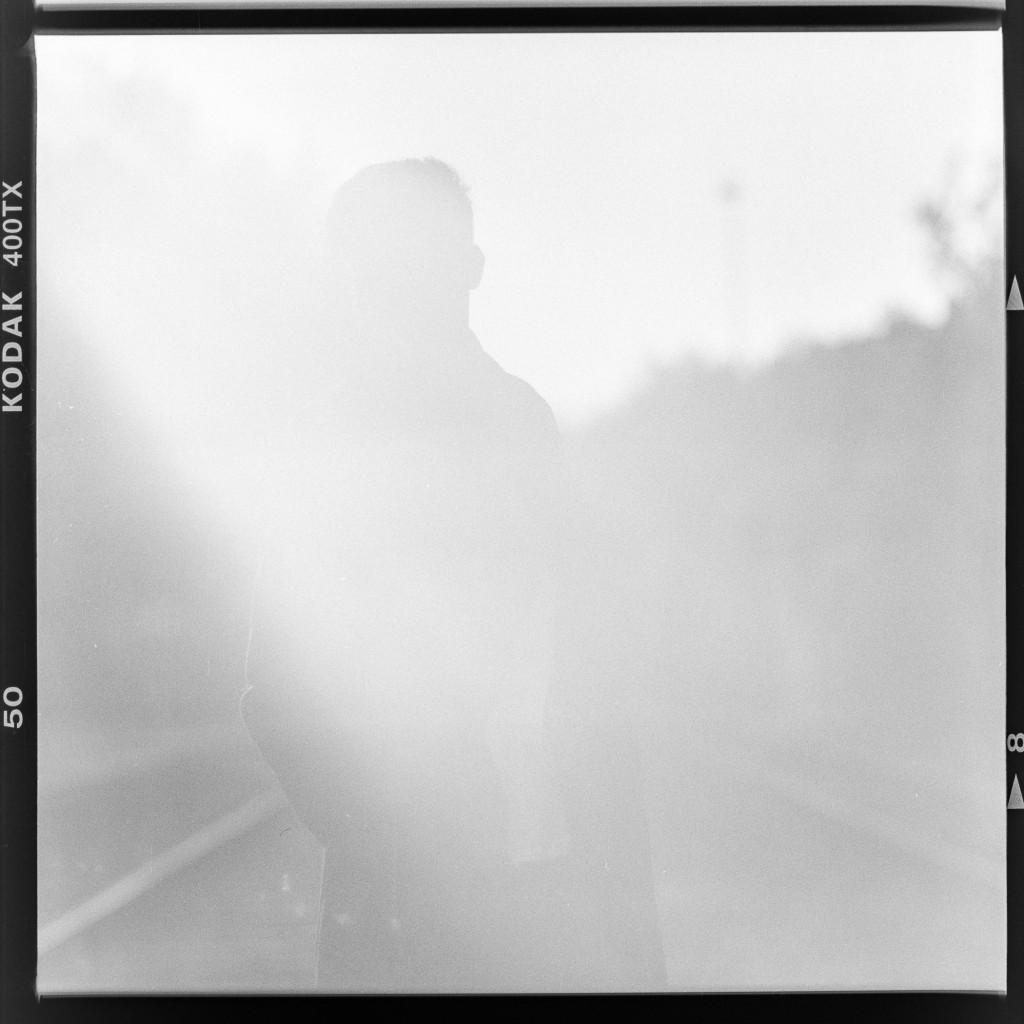 Im Gegenlicht – Aufgenommen auf Kodak Tri-X 400 mit Primar Reflex II und Tessar 16,5 cm