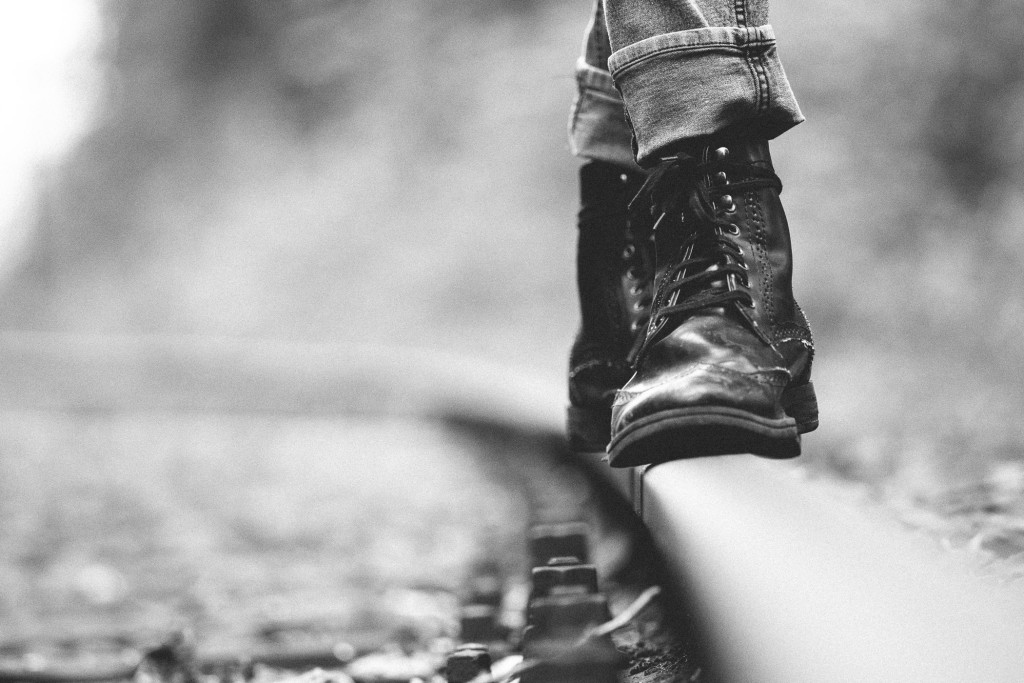 Balance auf dem Gleis