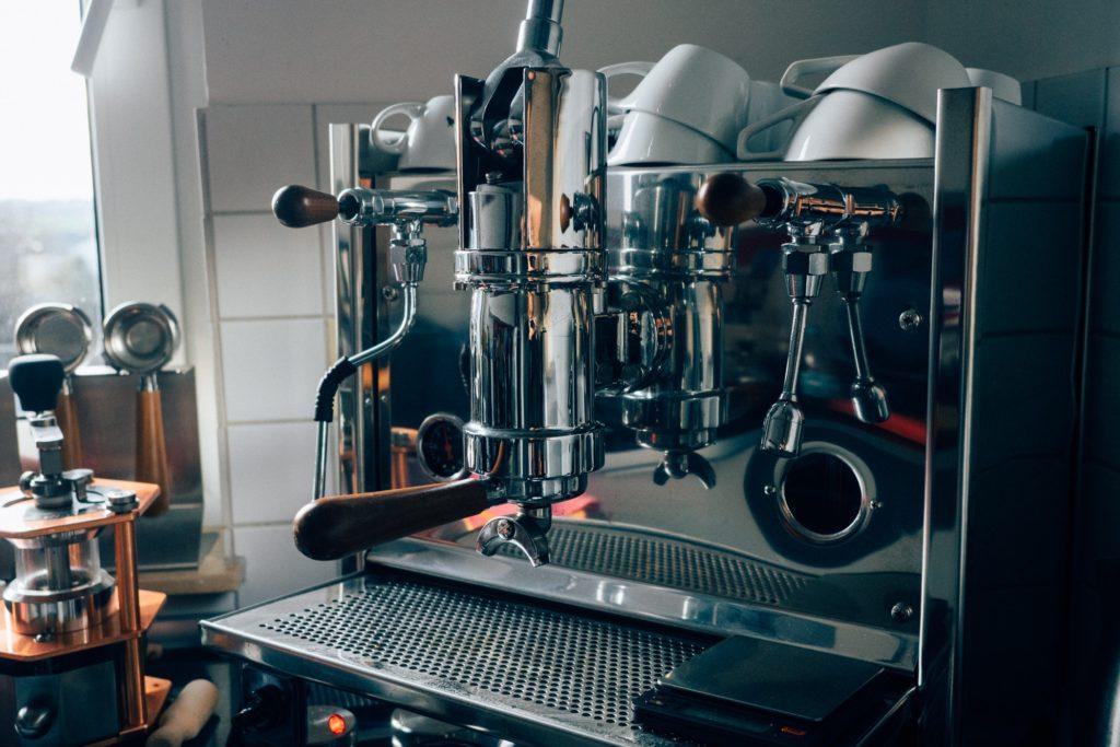Espresso-Maschinen gibt es viele. Die Bosco ist eine Handhebelmaschine auf sehr hohem Niveau
