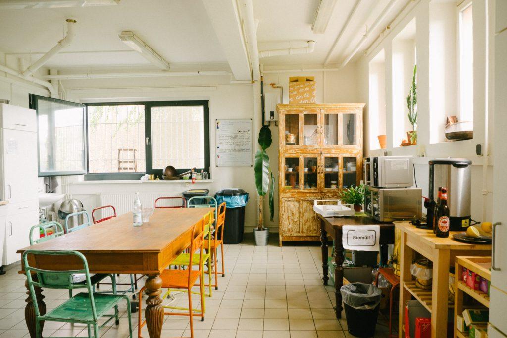Küche bei Gusti –Wirkt wie eine WG und funktioniert wohl auch so :)