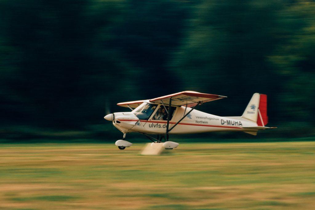 Flugschule mit Ultralight beim Start